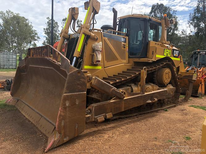 Caterpillar D8T Construction equipments for Sale in