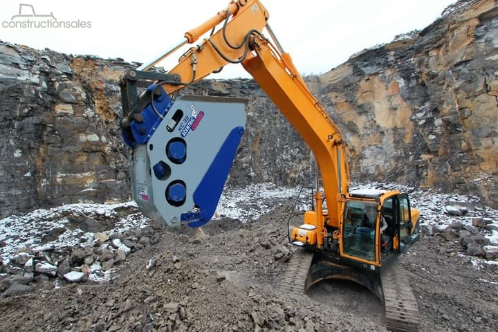 XCENTRIC CRUSHER BUCKETS BY BOSS ATTACHMENTS Construction