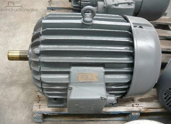 POPE 40HP 3 PHASE ELECTRIC MOTOR/ 2900RPM Engines & Motors