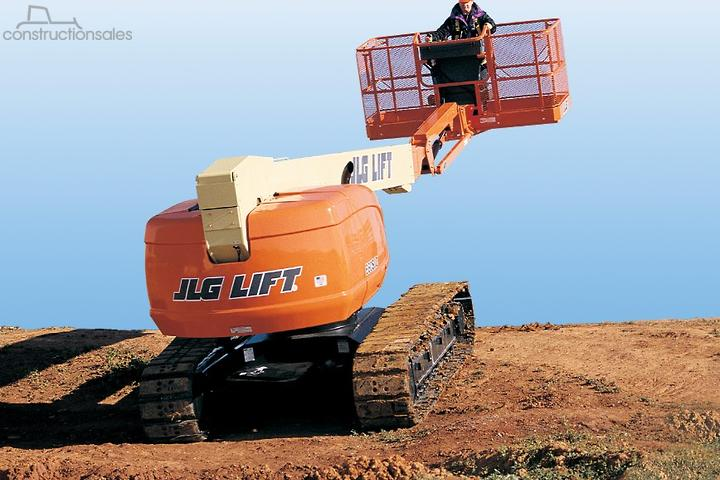JLG 660SJC Tracked Telescopic Crawler Boom Lift Construction