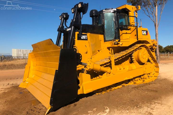Caterpillar D9T Construction equipments for Sale in