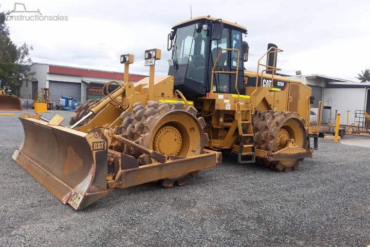 Caterpillar 825H Construction equipments for Sale in