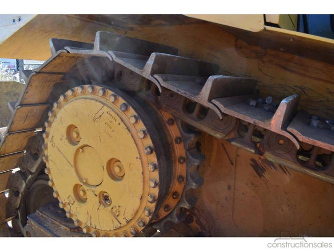 Caterpillar D6T Construction equipments for Sale in
